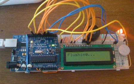 (Video) Arduino Flush-O-Matic