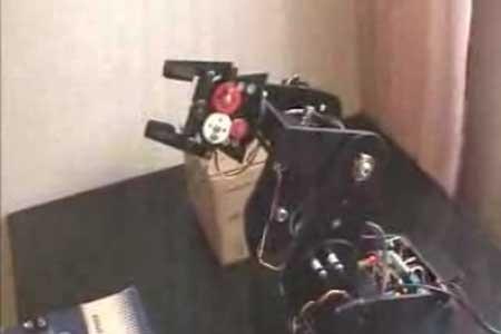 (Video) Brazo robot de 5 grados con servomotores
