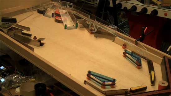 Cómo hacer un pinball casero