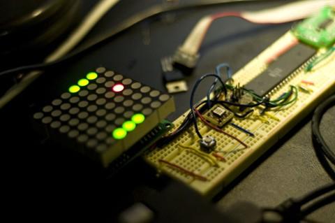 Juego PONG con acelerómetro y matriz de LED