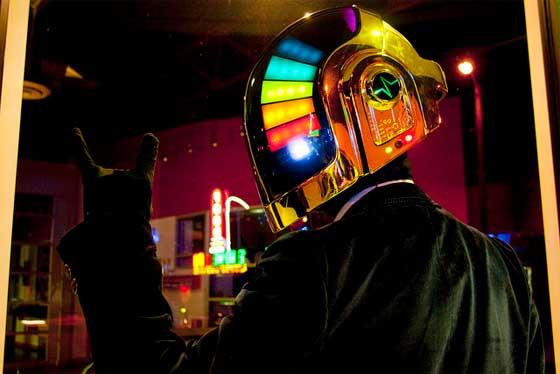 Réplica casera del casco de Daft Punk