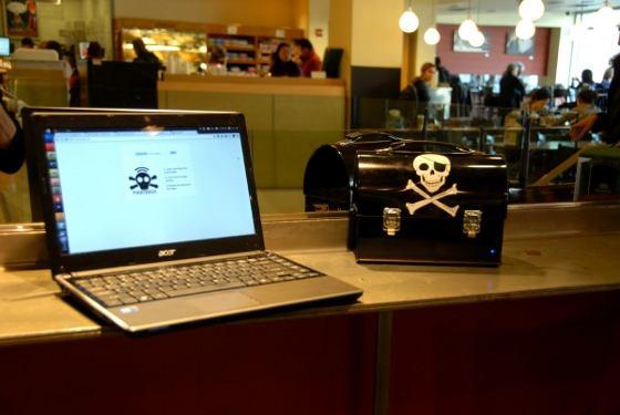 PirateBox: Una caja para compartir archivos