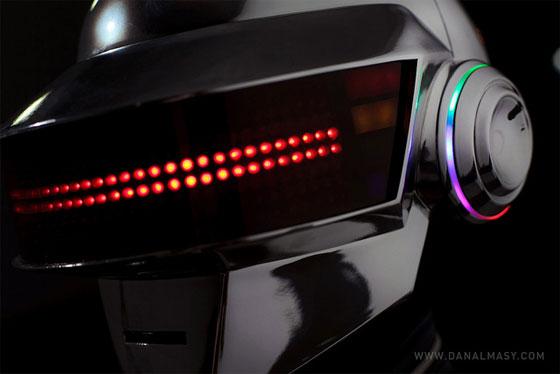 Impresionante casco Daft Punk casero