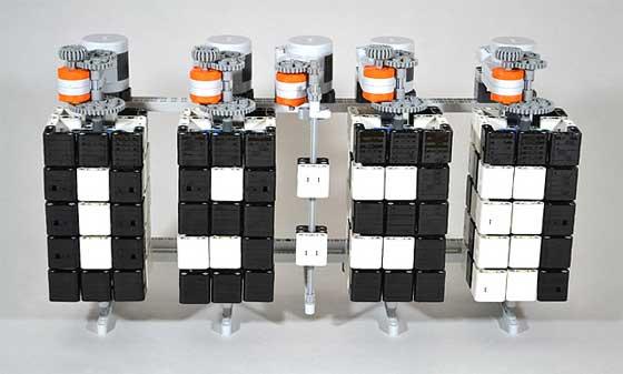 Time Twister: Reloj mecánico hecho con LEGO
