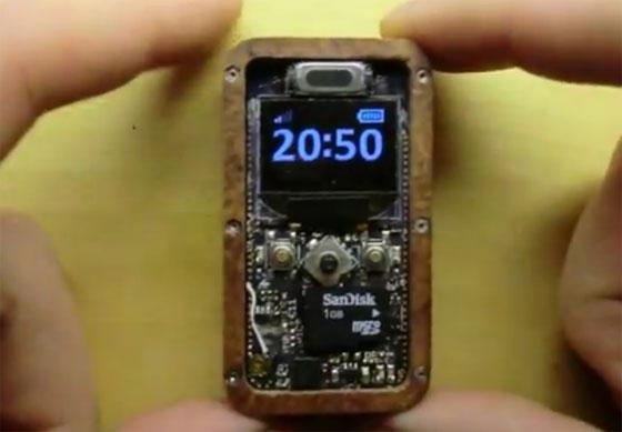 µPhone: Un teléfono miniatura casero y funcional