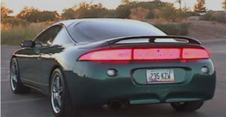 (Video) Luces traseras con LEDs en un Mitsubishi Eclipse