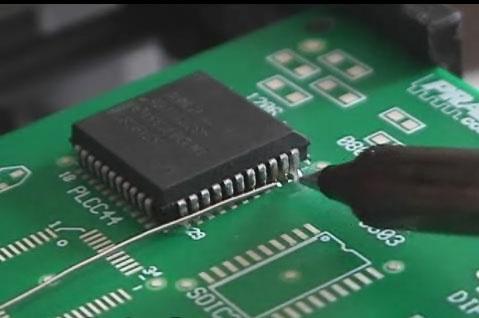 (Video) Tutorial para soldar componentes miniatura SMD