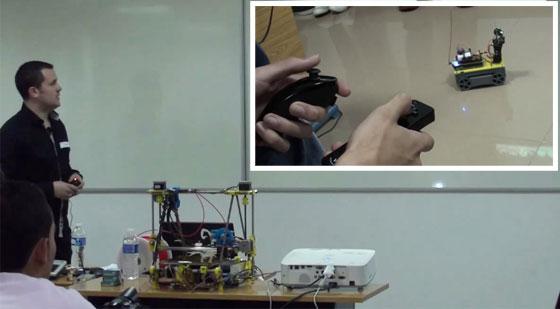 Castelao Barcamp 2012 - Robot Orugas