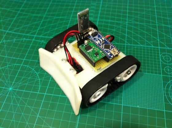 BoboBOT: un minirobot con orugas