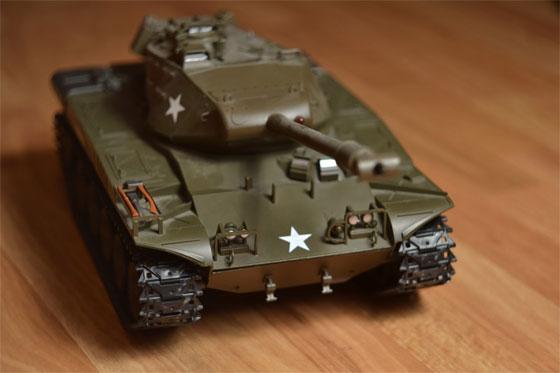 Tanque de juguete controlado con Arduino