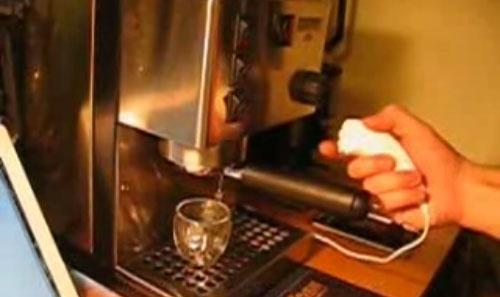 (Video) Cafetera controlada con Arduino y Wii Nunchuck