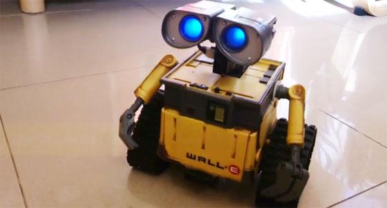 Robot Wall-E con Arduino y reconocimiento de voz