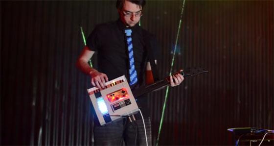 NESKeytar: Una guitarra con una NES y Raspberry Pi