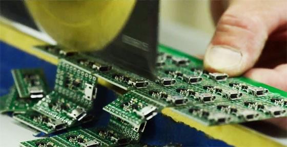 Cómo se fabrican las placas en Pololu