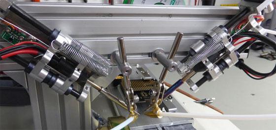 Un robot casero para soldar con estaño automáticamente
