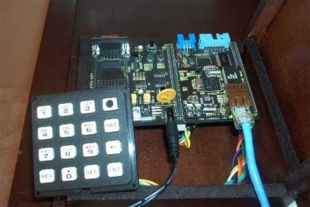Sistema de control de acceso con eZ80F91