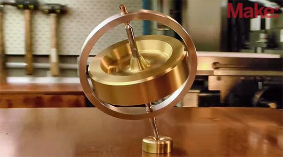 Impresionante giroscopio casero hecho con un torno