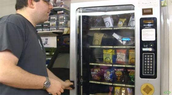 Máquina de Vending hackeada con RFID para un Hackerspace