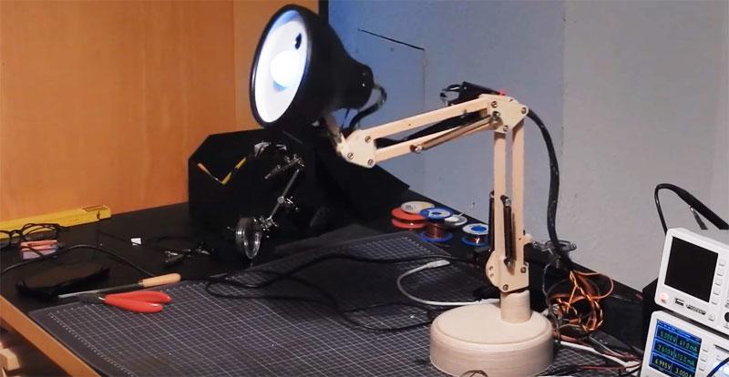 Lámpara de Pixar casera con reconocimiento facial usando OpenCV