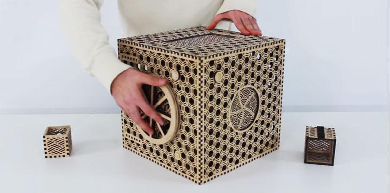 Caja puzzle con compartimentos secretos hecha por corte láser