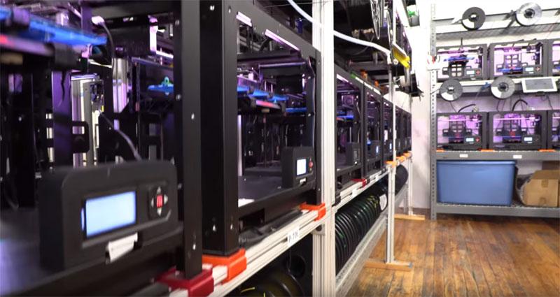 Voodoo Manufacturing: Visita a una granja de impresión 3D