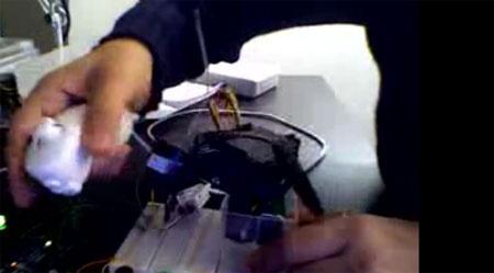 (Video) Arduino controlando servos con Wii Nunchuk