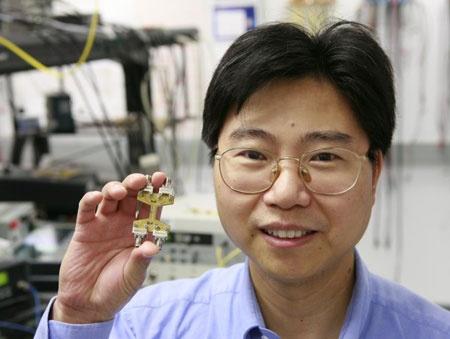 Intel desarrolla procesador óptico que transmite a 40Gb/s