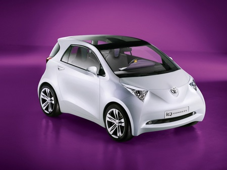 (Video) Toyota IQ Concept (Demoscene inside?)