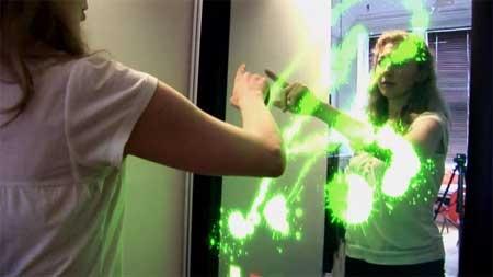 (Video) Espejo tactil interactivo