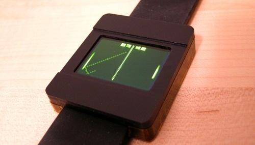 Reloj pong casero con LCD OLED y batería Li-Po