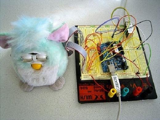 Furby conectado a Internet con Arduino