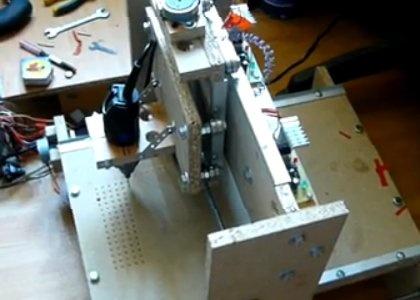 Valkyrie: Mini router CNC con Arduino