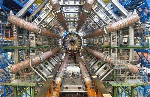 LHC: ¿Y si el bosón de Higgs viajase en el tiempo?